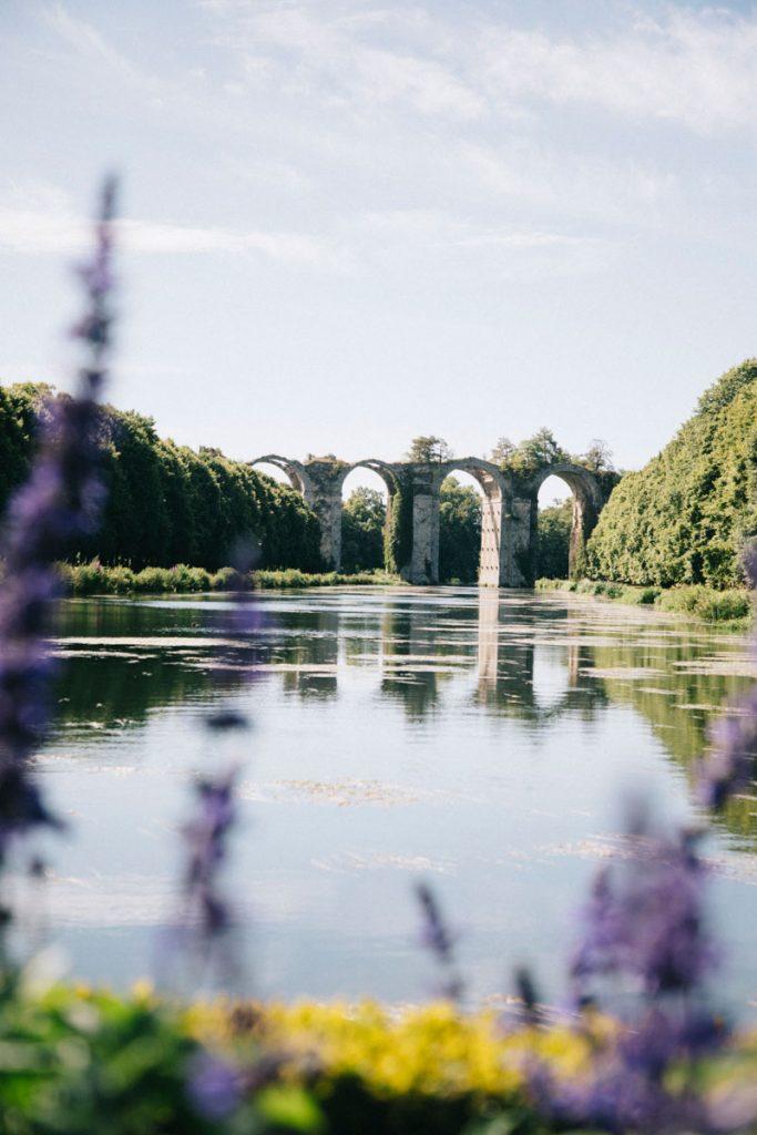 L'aqueduc romantique du château de Maintenon en Eure-et-Loir. crédit photo : Clara Ferrand - blog Wildroad