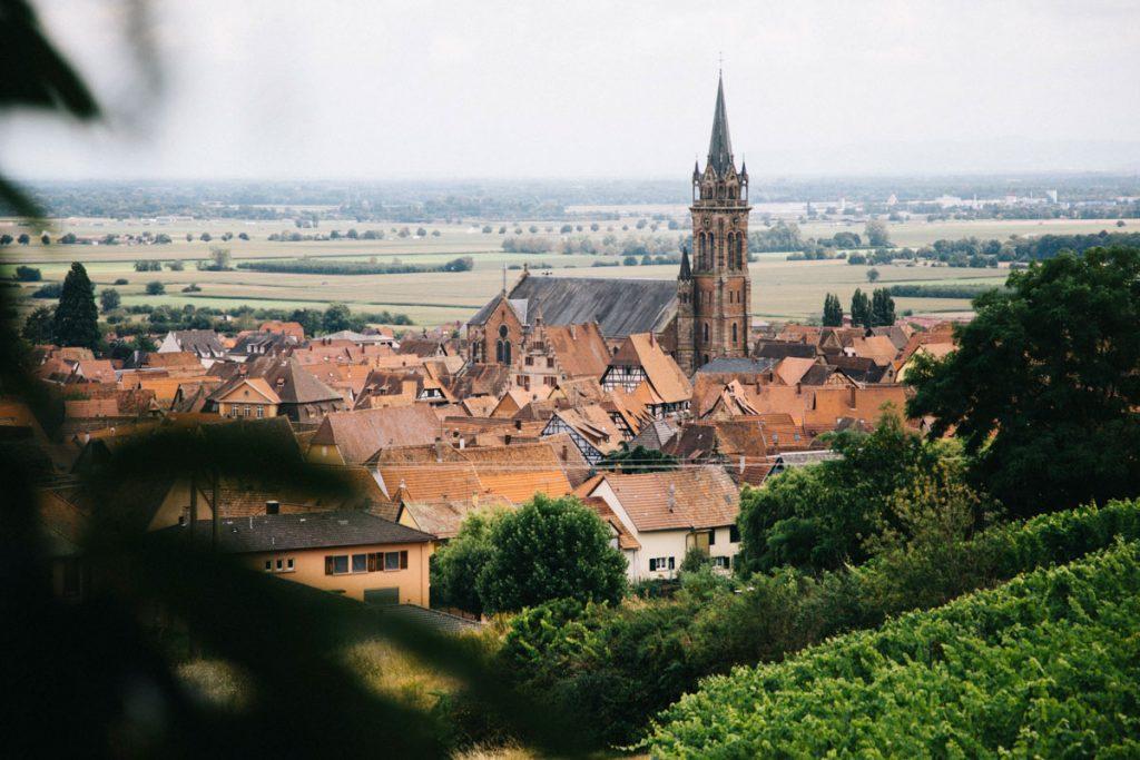 Panorama sur Dambach-la-ville depuis La Chapelle. crédit photo : Clara Ferrand - blog Wildroad