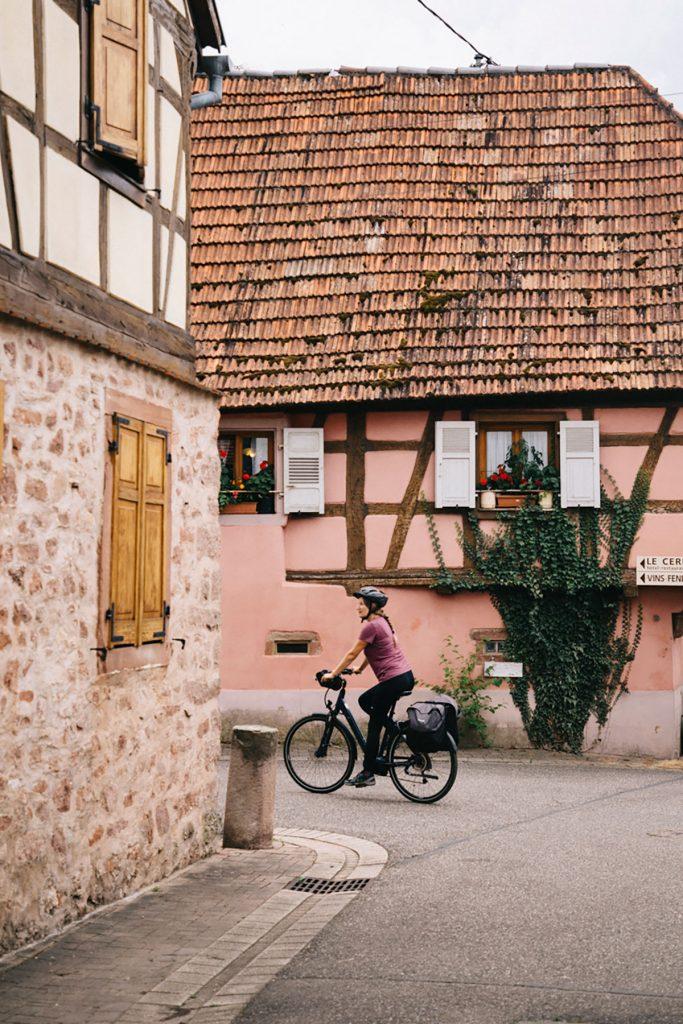 Début de la véloroute du vignoble à Marlenheim en Alsace. crédit photo : Clara Ferrand - blog Wildroad
