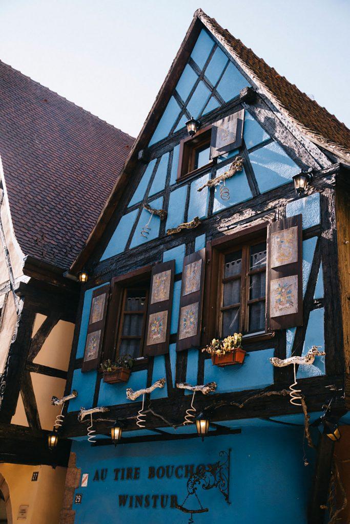 Les maisons à colombages du village de Riquewihr en Alsace. crédit photo : Clara Ferrand - blog WIldroad