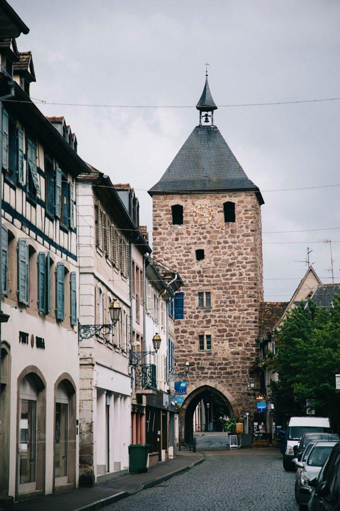 La tour des forgerons à Molsheim en Alsace. crédit photo : Clara Ferrand - blog Wildroad