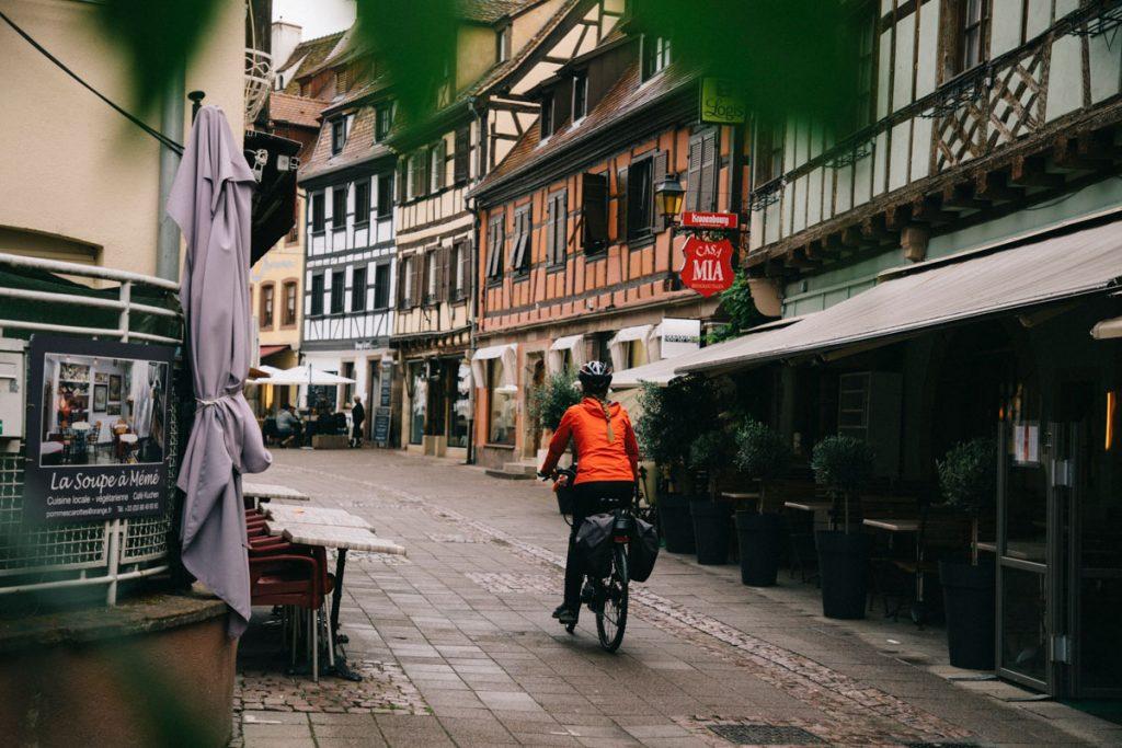 Découvrir l'Alsace à vélo avec un itinéraire de Marlenheim à Obernai. crédit photo : Clara Ferrand - blog Wildroad