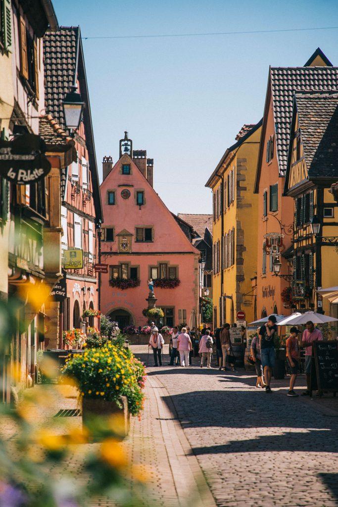 La route des vin à vélo en Alsace et la visite de Turkheim petit village de charme. crédit photo : Clara Ferrand - blog Wildroad