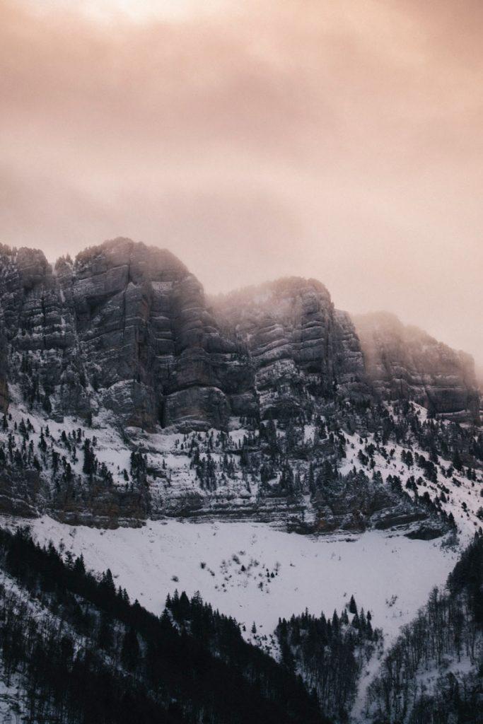 La brume sur le sommet du granier dans la Chartreuse. crédit photo : Clara Ferrand - blog Wildroad