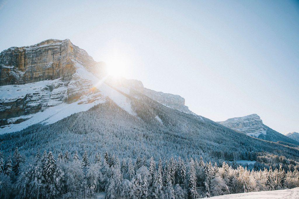le col du Granier et le départ des sentier de randonnée en hiver.crédit photo : Clara Ferrand - blog Wildroad