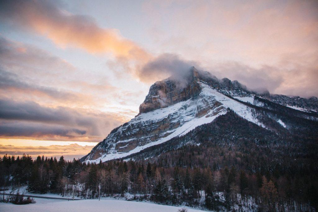 Randonnée en raquette au départ du col du Granier en Savoie. crédit photo : Clara Ferrand - blog Wildroad