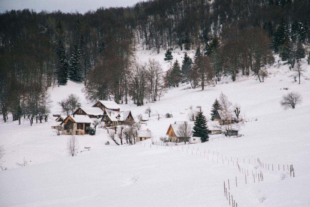randonnée familiale jusqu'aux granges de Joigny. crédit photo : Clara Ferrand - blog Wildroad