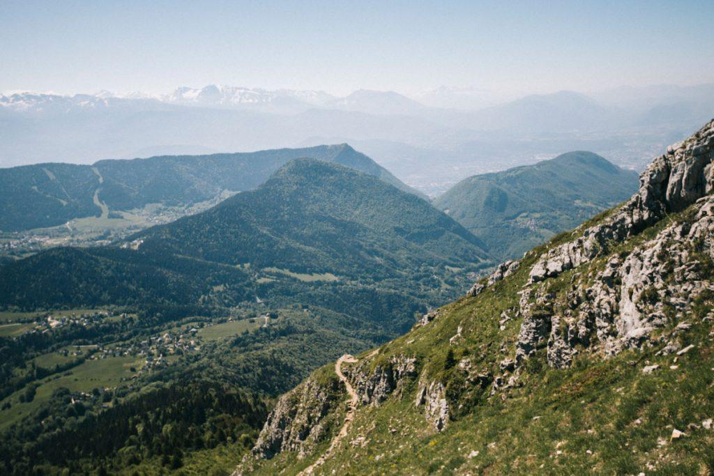 Faire la randonnée de la Pinéa un sommet facile en Chartreuse. crédit photo : Clara Ferrand -blog Wildroad