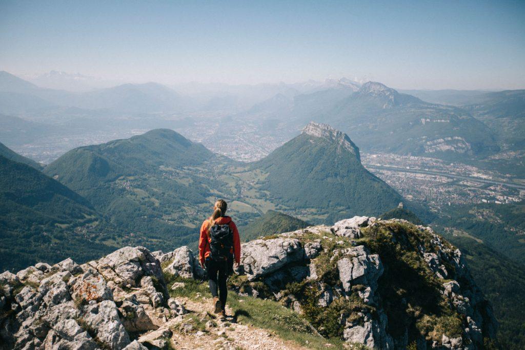 Panorama sur le Vercors depuis le sommet de la Pinéa. crédit photo : Clara Ferrand -blog Wildroad