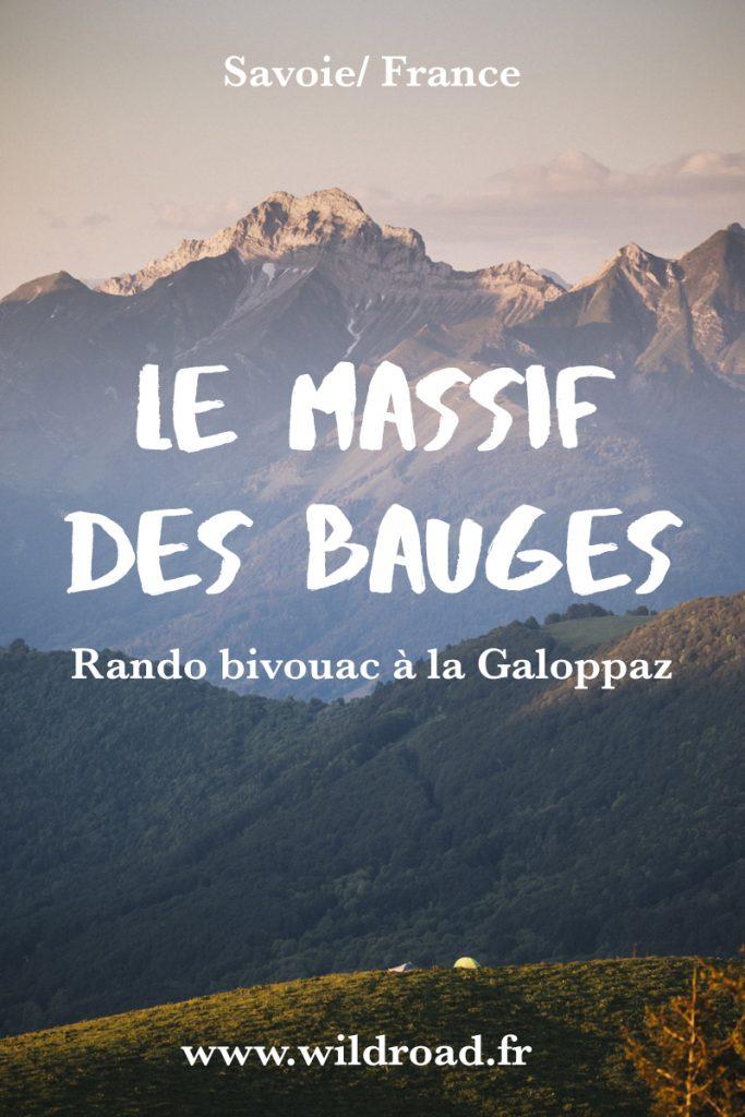 Découvrez le massif des Bauges lors d'un magnifique bivouac au sommet de la Pointe de la Galoppaz. AU sommet vous trouverez une vue à 360 sur les massif alpins de la Savoie et de la Haute-Savoie. crédit photo : Clara Ferrand - blog Wildroad