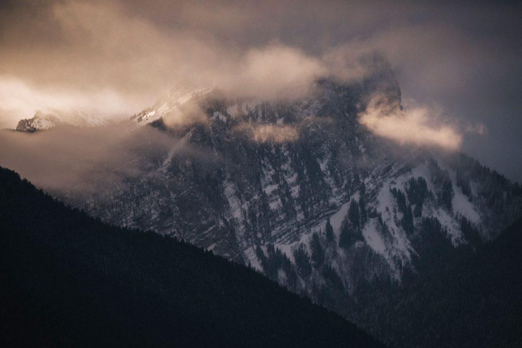 Les sommets du massif de la chartreuse à découvrir pendant une randonnée facile. crédit photo :  Clara Ferrand - blog Wildroad
