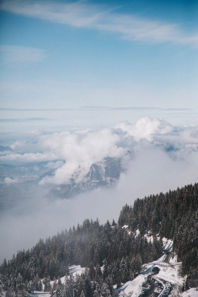 Le massif des Bauges depuis le Collet d'Allevard. crédit photo : Clara Ferrand - blog Wildroad