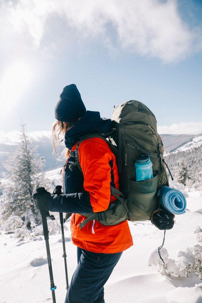 Mon équipement pour randonnée dans la neige en hiver. crédit photo : Clara Ferrand - blog Wildroad