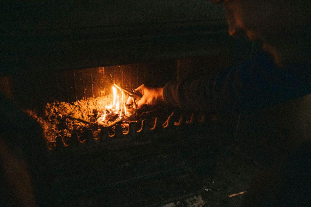 Petit feu dans les cabanes d'Ansabère. crédit photo : Clara Ferrand - blog Wildroad