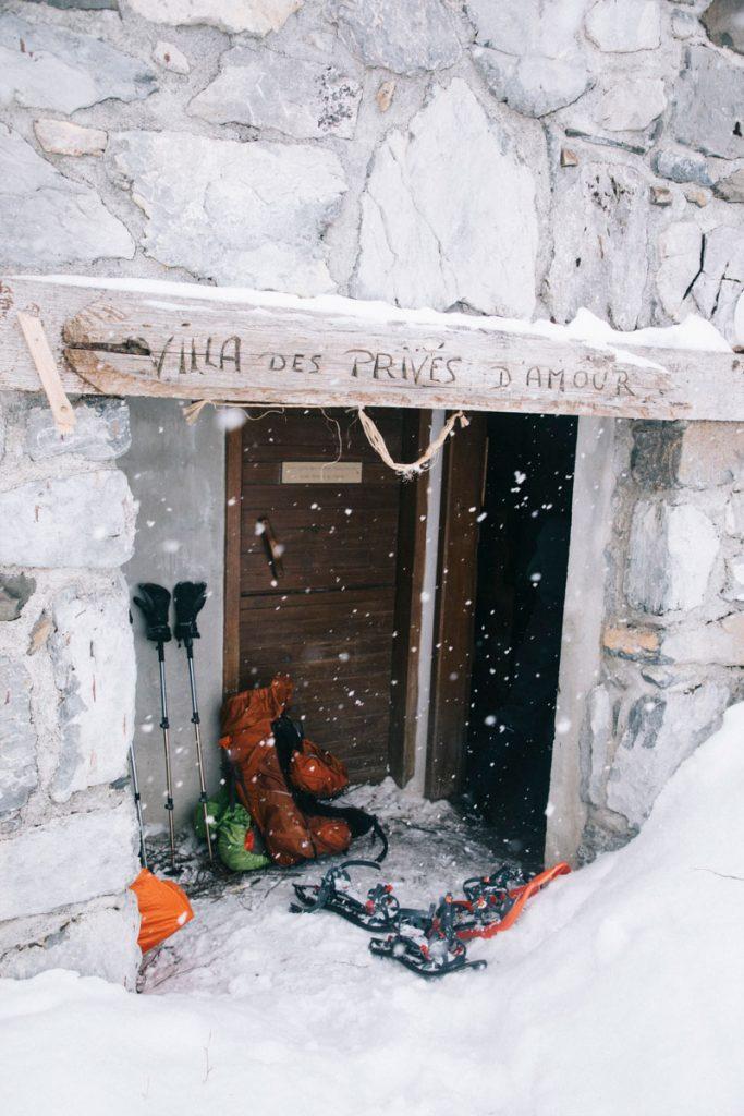 La grande cabanes non gardée des aiguilles d'Ansabère dans les Pyrénées. crédit photo : Clara Ferrand - blog Wildroad