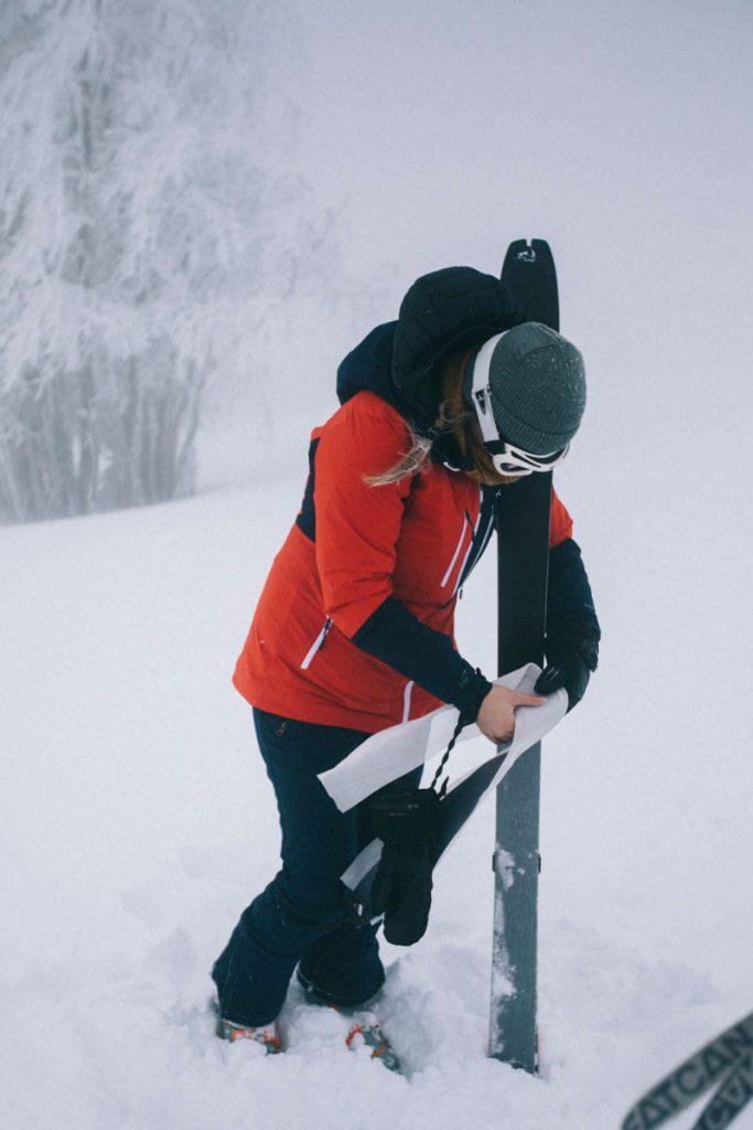 Initiation au ski de rando avec l'ESF du Markstein dans le massif des Vosges. crédit photo : Clara Ferrand - blog Wildroad
