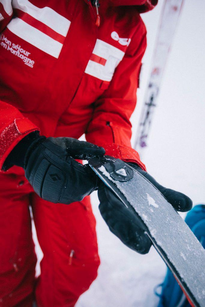 Découverte du ski de randonnée avec un guide de l'ESF dans le massif des Vosges. crédit photo : Clara Ferrand