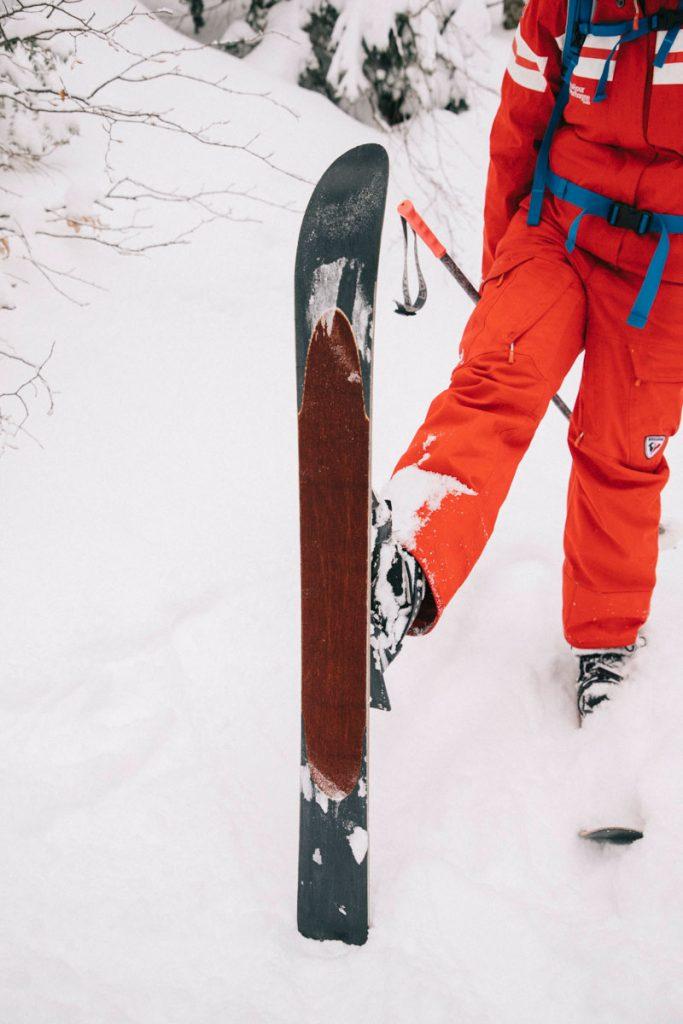 Le ski hok, une activité venu du Quebec parfaite pour une sensation de glisse dans les massif de moyenne montagne. crédit photo : Clara Ferrand - blog Wildroad