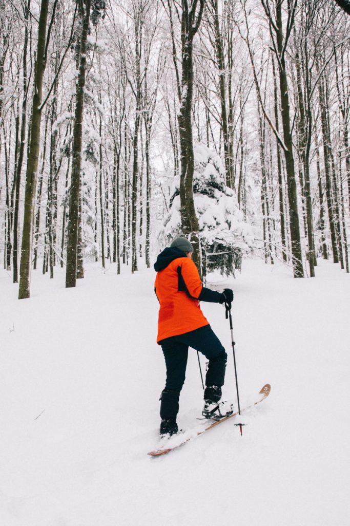 débuter et apprendre à faire du ski-hok au Markstein dans le massif des Vosges. crédit photo : Clara Ferrand - blog Wildroad