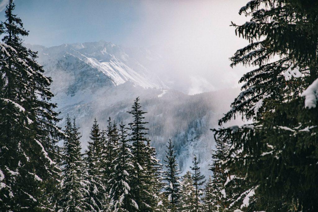 Le massif des Belledonnes depuis  la station du Collet d'Allevard. crédit photo : Clara Ferrand - blog Wildroad