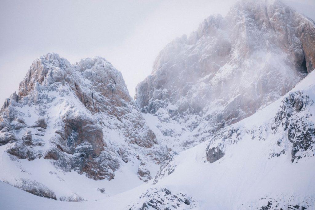 Le col des aiguilles d'Ansabère à la frontière avec l'Espagne. crédit photo : Clara Ferrand -blog Wildroad