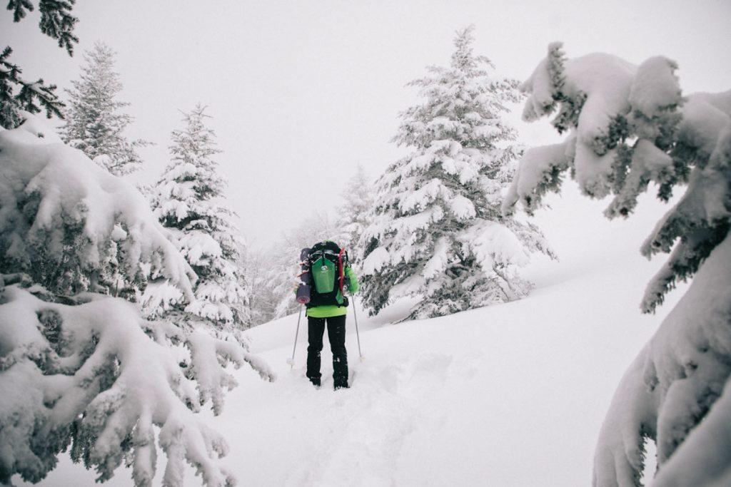 Faire une sortie raquette avec un accompagnateur de montagne au Markstein. crédit photo : Clara Ferrand - blog Wildroad