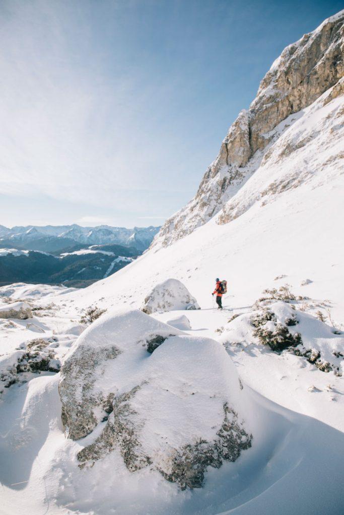 Que faire en Ariège en hiver dans les Pyrénées. crédit photo : Clara Ferrand - blog WIldroad