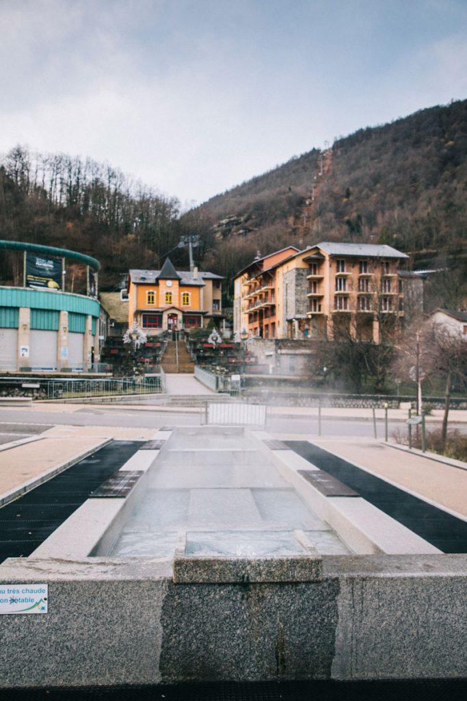 Les bassin extérieurs de la ville d'Ax-les-Thermes en Ariège. crédit photo : Clara Ferrand - blog Wildroad