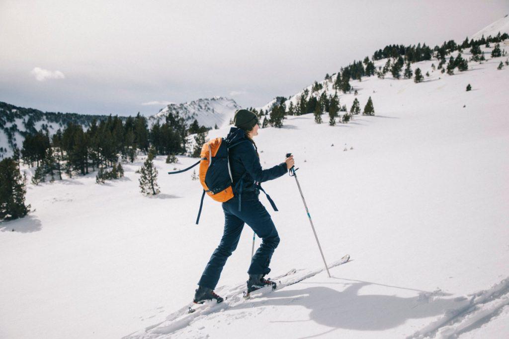 S'initier au ski de rando sur le pic de Tarbèsou en Ariège. Crédit photo : Clara Ferrand - blog Wildroad