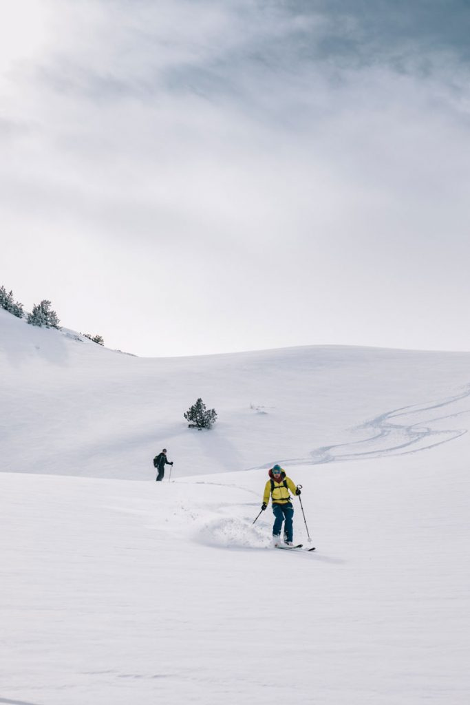 Sortie en ski de rando en Ariège avec un guide de montagne. crédit photo : Clara Ferrand - blog WIldroad