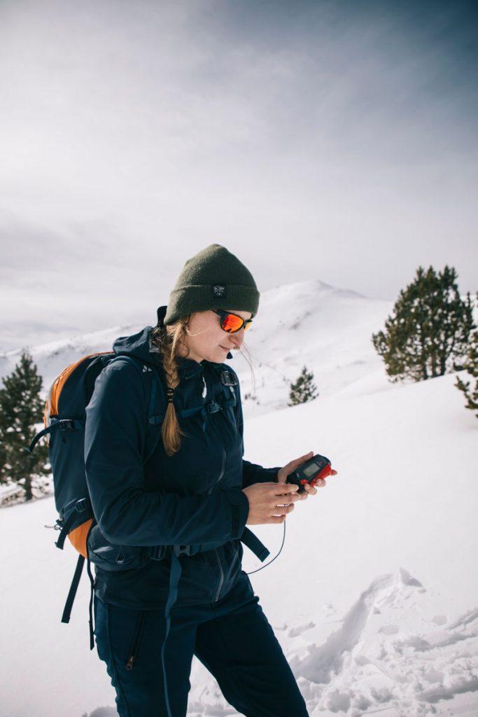 Quel équipement de sécurité choisir pour débuter le ski de randonnée ? crédit photo : Clara Ferrand - blog Wildroad