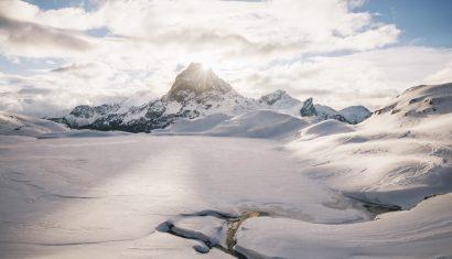La randonnée des lacs d'Ayous et son refuge en hiver. crédit photo : Clara Ferrand - blog Wildroad