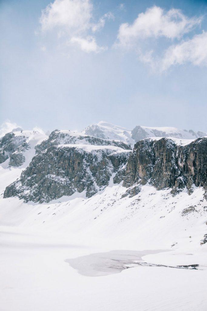 Le lac de Roumassot, premier lac d'Ayous sur la randonnée. crédit photo : Clara Ferrand - blog WIldroad