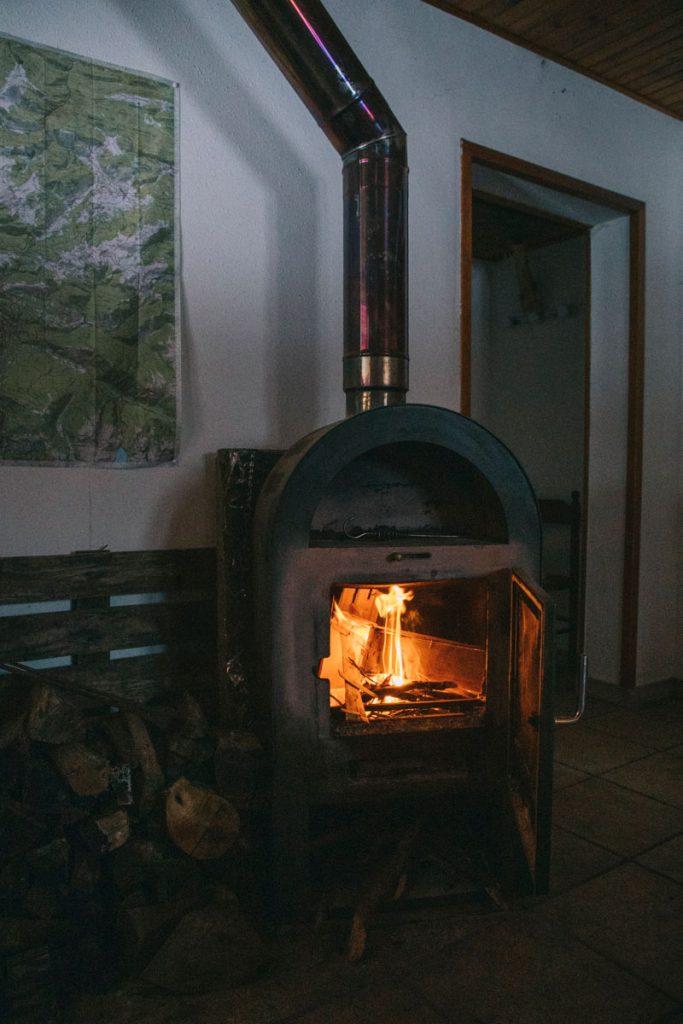 Une nuit dans une cabane pastorale en Ariège. crédit photo : Clara Ferrand -blog WIldroad