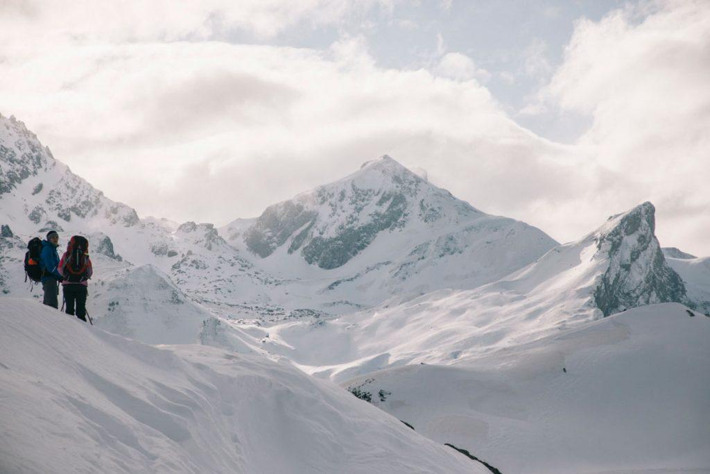 Panorama sur le pic du Peyreget dans les Pyrénées en hiver. crédit photo : Clara Ferrand - blog Wildroad