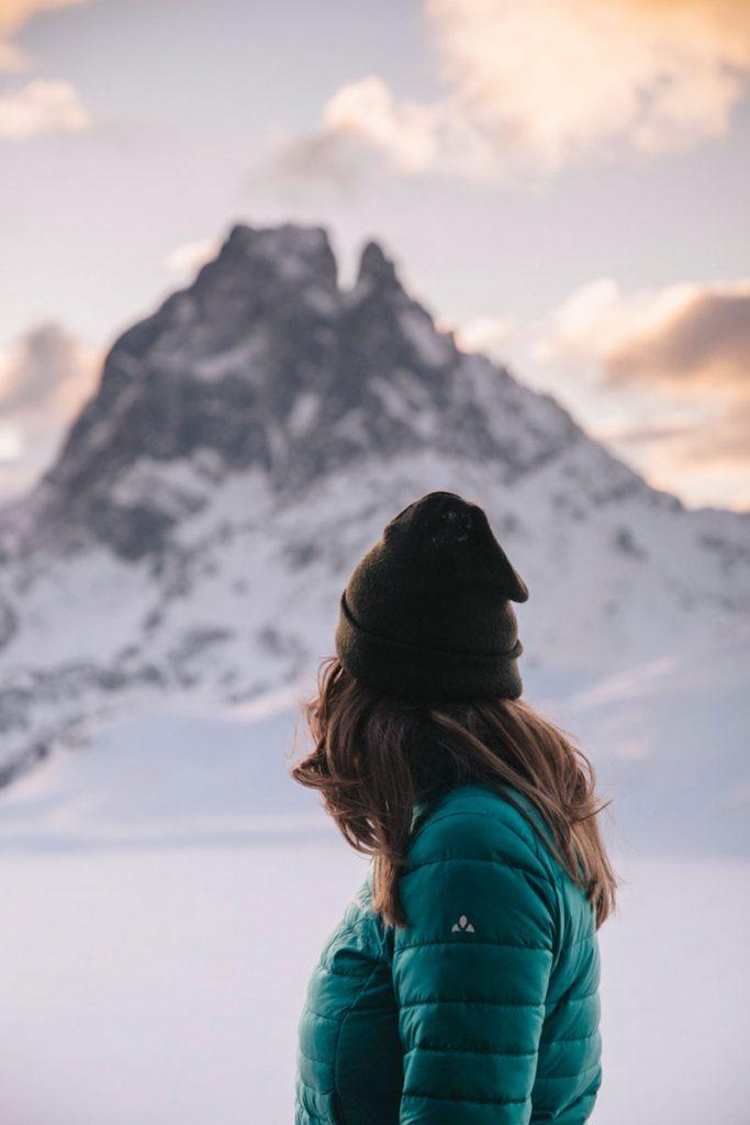 Quel équipement prendre pour une randonnée hivernale dans les Pyrénées. crédit photo : Clara Ferrand - blog Wildroad