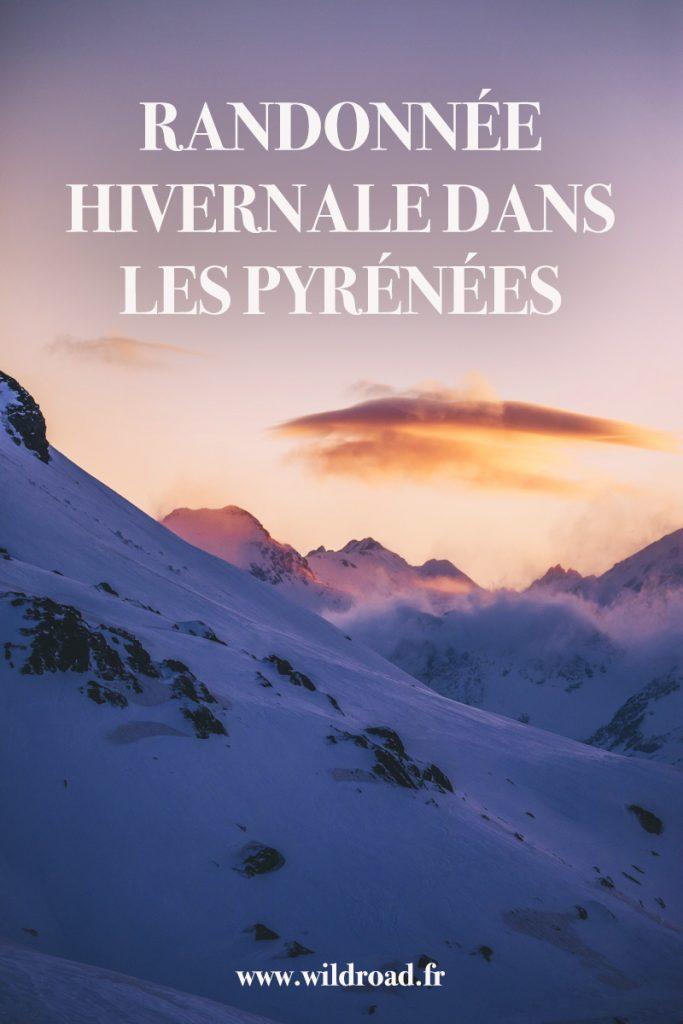 La randonnée raquettes incontournable à faire dans les Pyrénées : les lacs d'Ayous dans la vallée d'Ossau. crédit photo : Clara Ferrand - blog Wildroad #pyrénées #refugesdayous #lacsdayous #picdossau #valleedossau #randonnee #weekend #hiver