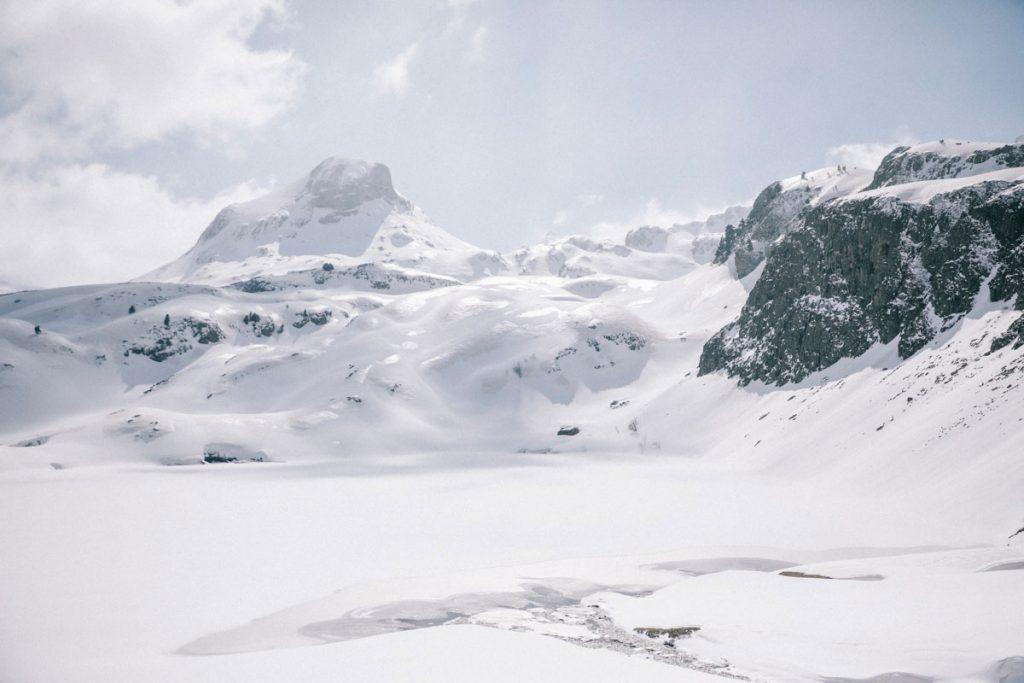 Le lac de Miey, deuxième lac d'Ayous de la randonnée. crédit photo : Clara Ferrand -blog Wildroad