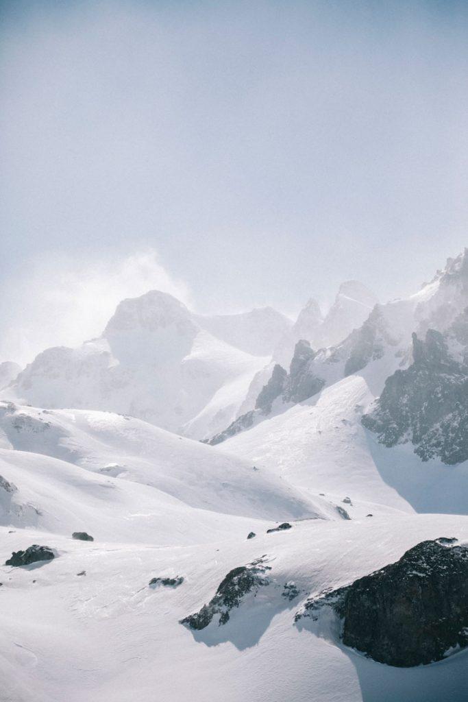 La vallée d'Ossau et les lacs d'Ayous en hiver. Crédit photo : Clara Ferrand - blog Wildroad