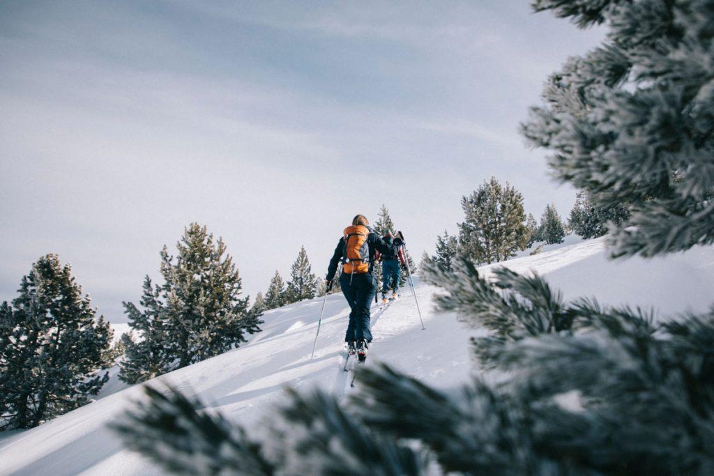 Sortie ski de rando pour une initiation dans les Pyrénées sur le pic du Tarbésou. crédit photo : Clara Ferrand - blog WIldroad