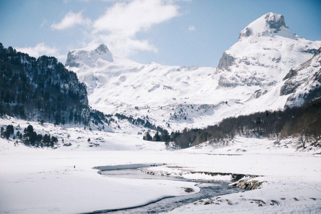 La vallée de Bious et les pics Paradis dans les Pyrénées. crédit photo : Clara Ferrand - blog Wildroad