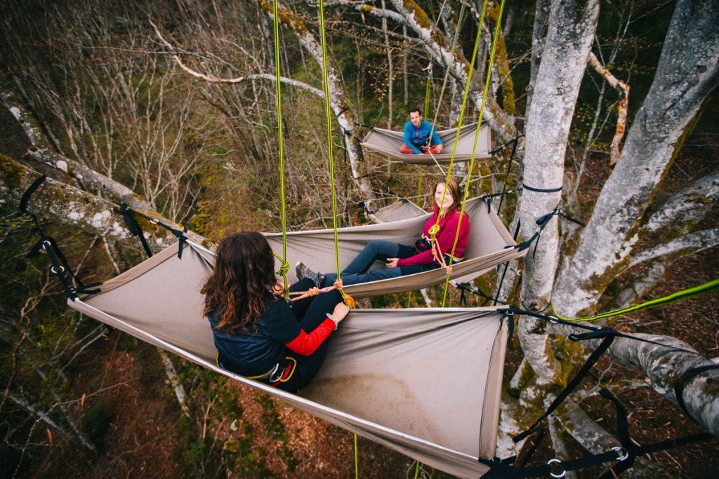 Activité insolite à faire dans le Forez : dormir perché dans les arbre à Chalmazelle. crédit photo : Clara Ferrand - blog Wildroad