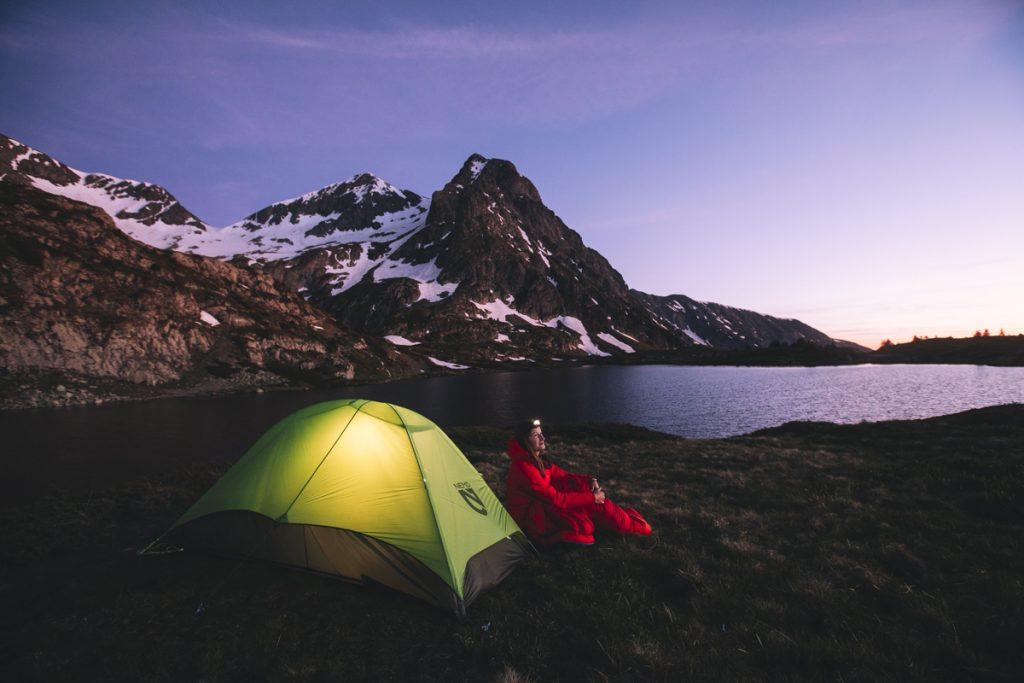Conseil pour le bivouac : comment bien choisir sa tente pour la randonnée . crédit photo : Clara Ferrand - blog Wildroad