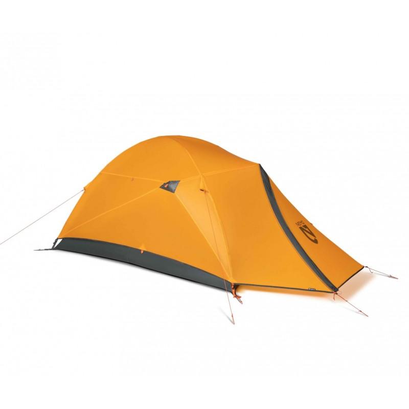 La marque mémo, une marque réputée pour ses tentes robuste en montagne.