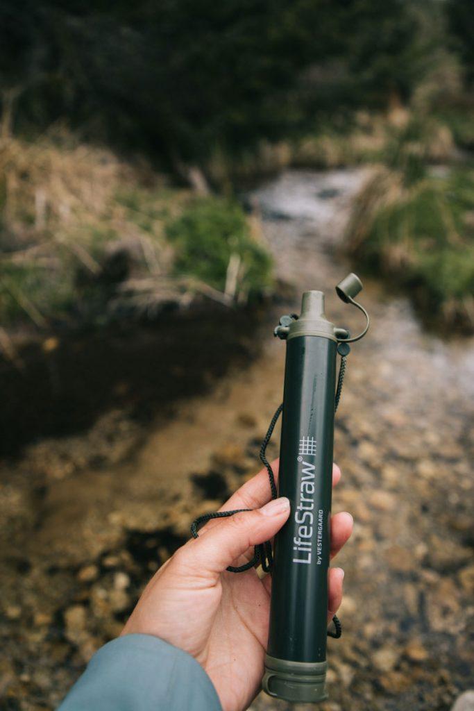 Comment filtrer son eau en bivouac. crédit photo : Clara Ferrand - blog Wildroad