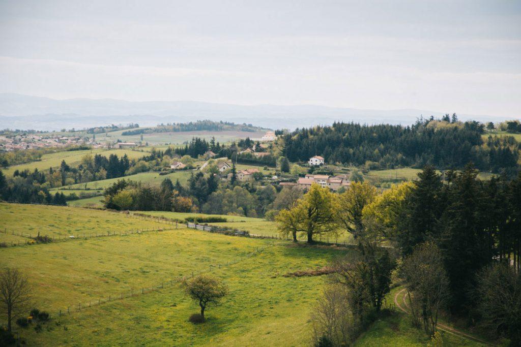Les paysages de la Loire sur le GR3 depuis le village de Lavieu. crédit photo : Clara Ferrand - blog Wildroad