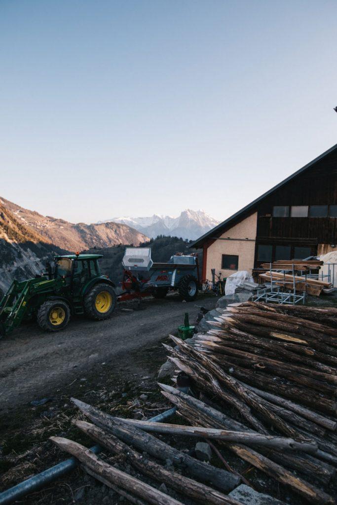 La ferme de la Gaec Sabaudia à Valloire. crédit photo : Clara Ferrand - blog Wildroad