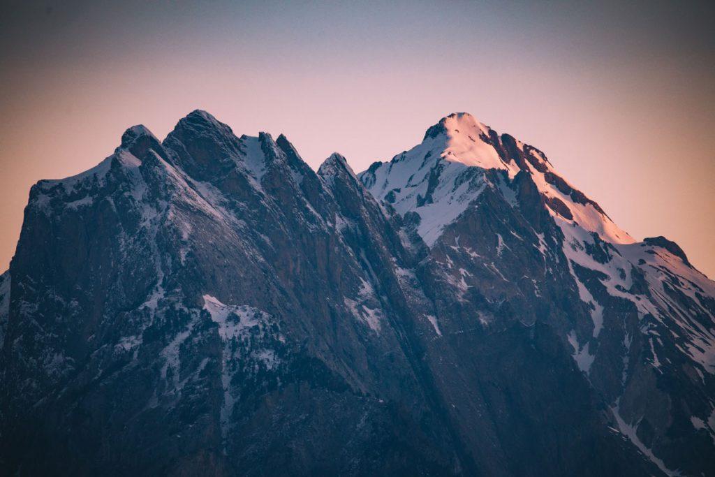 Les montagnes de la vallée de la Maurienne en hiver. crédit photo : Clara Ferrand - blog Wildroad