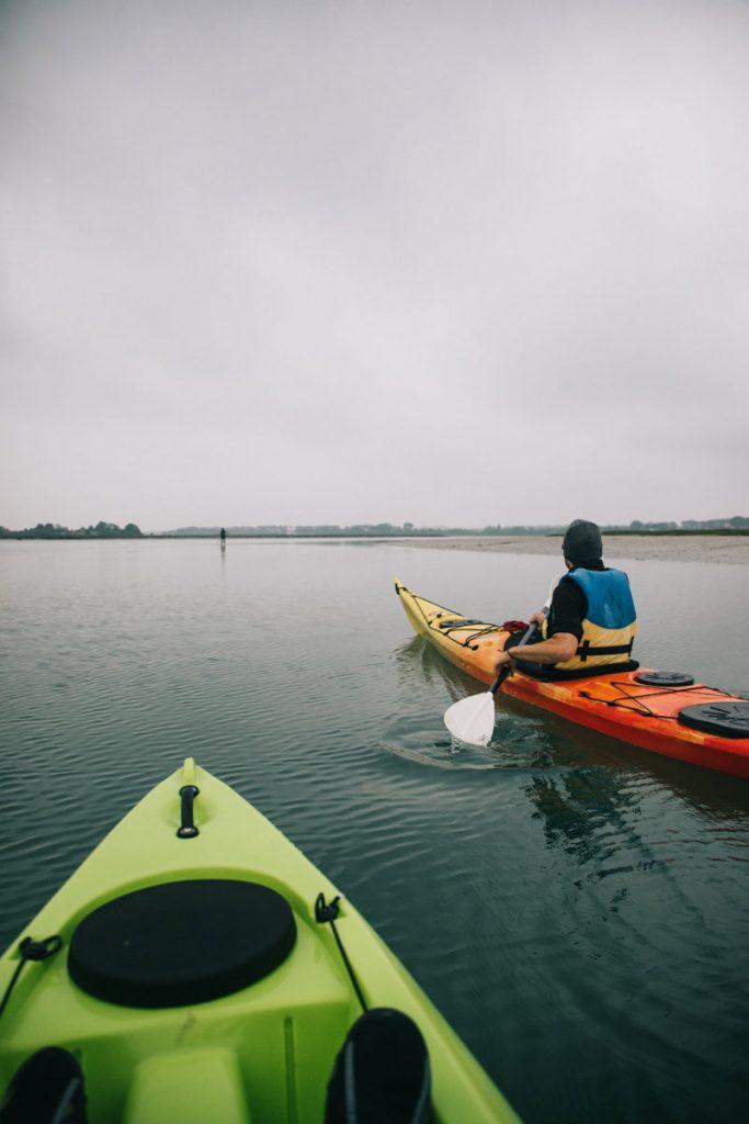 Sortie en kayak dans la baie de l'Orne. crédit photo : Clara Ferrand - blog Wildroad
