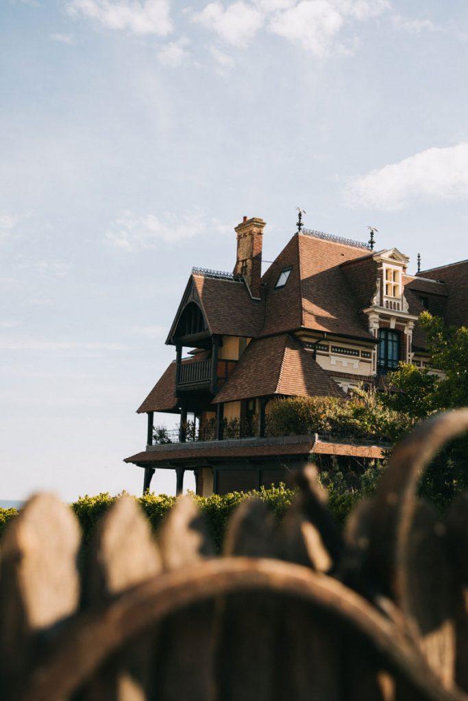 Les villas belle époque de la ville d'Houlgate en Normandie. crédit photo : Clara Ferrand - blog Wildroad